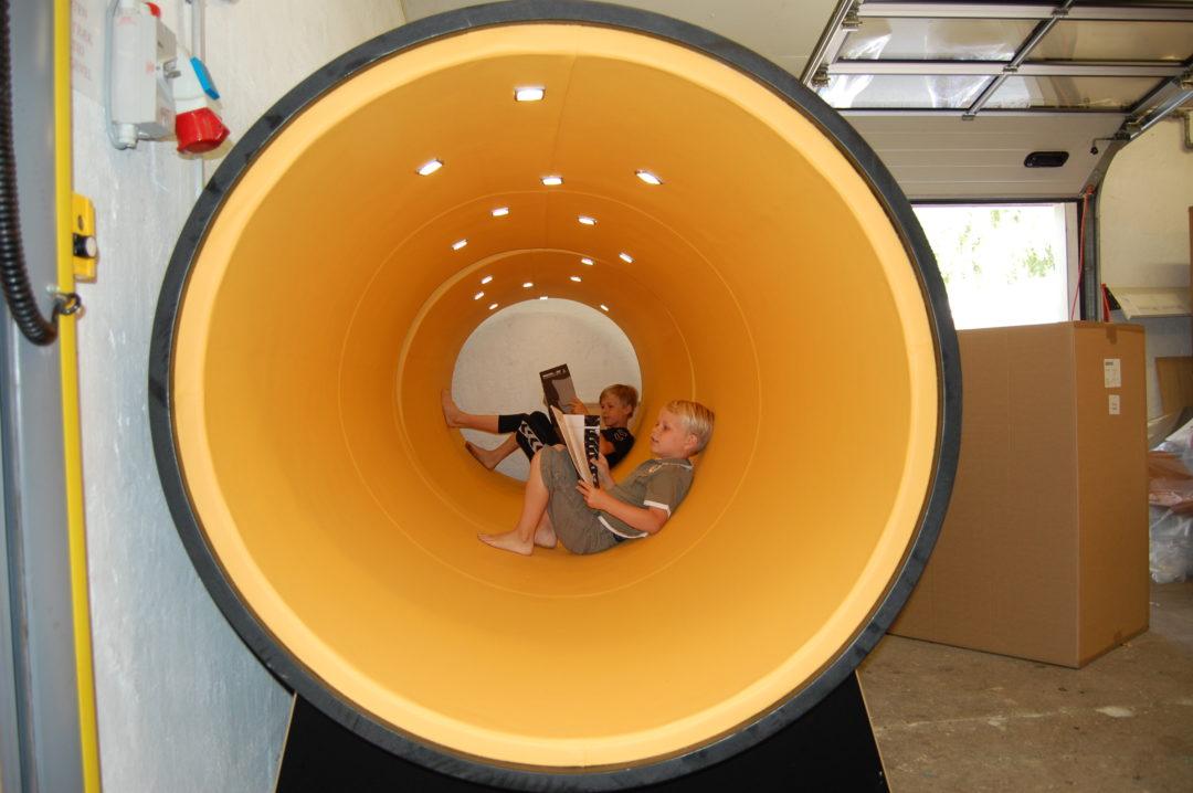 Polstret kloakrør med lys