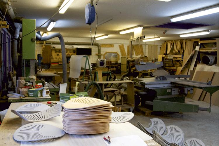 Værksted til at renovere møbler